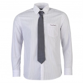 http://images.sportsdirect.com/images/imgzoom/55/55931639_xxl.jpg